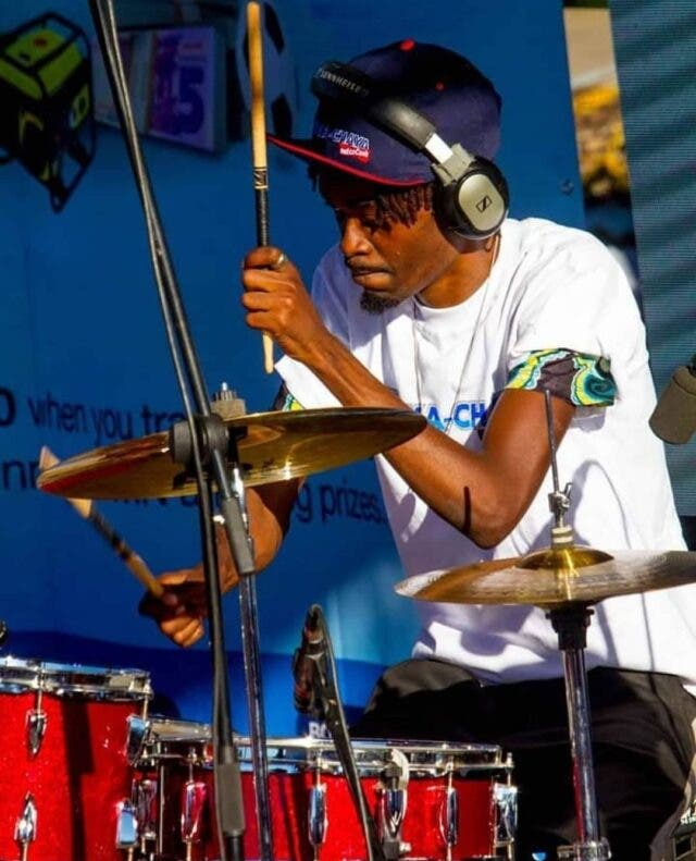 Scara the Drummer